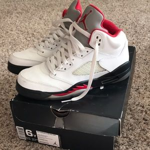 COPY - Air Jordan 5 Retro white/black/red size 6Y
